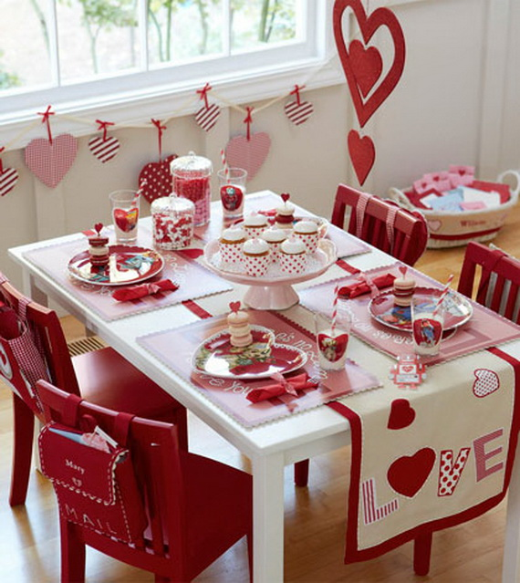 Amazing easy homemade valentine s day centerpieces ideas for Home made valentine decorations